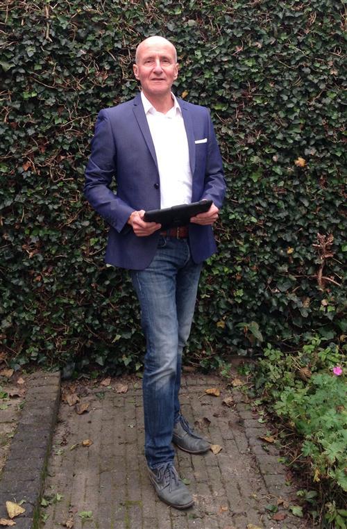 Erik Braunius: de oprichter/eigenaar van Aan-Zet bouwkundig adviesbureau gevestigd in Almere.