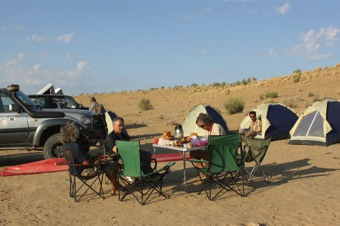 3-services-accommodation-camp-breakfast
