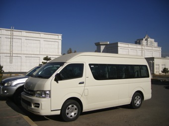3-services-transportation-toyota-minibus