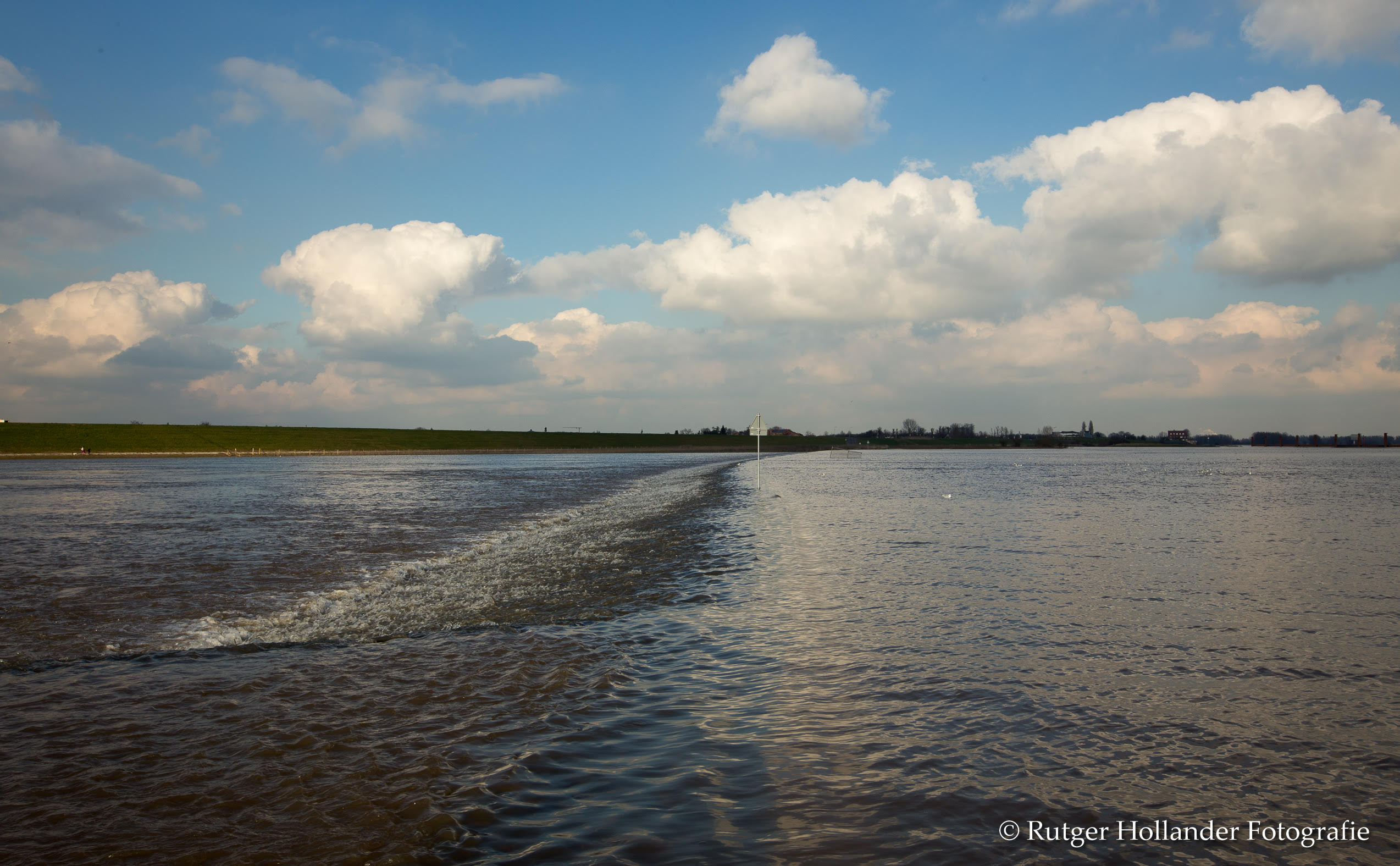 Waterstand in de Waal 2